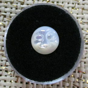 Mother of Pearl Cabochon Face